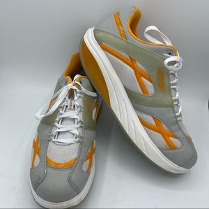 MBT Size 11 M. Walk Toning Shape up White Sneaker